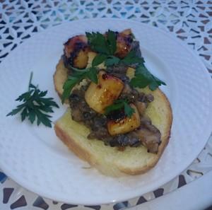 seared scallop bruschetta